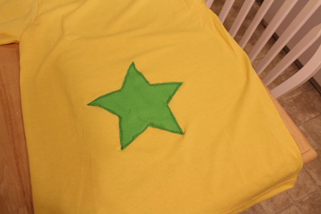 And thereu0027s my Star Bellied Sneetch shirt! Itu0027s not perfectly done but for a quick cheap costume that will only be worn a few times it totally works. & Star Bellied Sneetches shirt tutorial